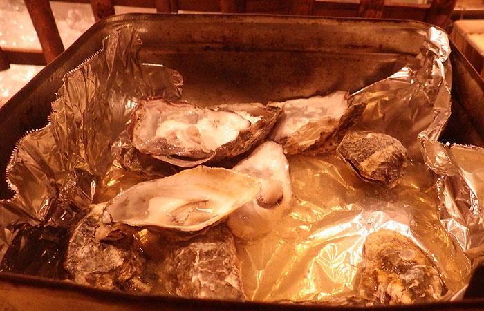 生簀の銀次 牡蠣のアルミ缶蒸し