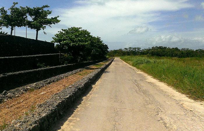 竹富島の農道