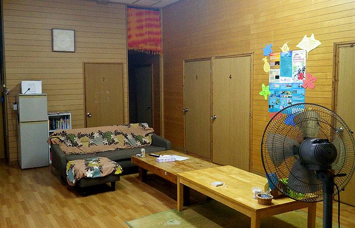 石垣島ゲストハウス えみっくす リビングスペース