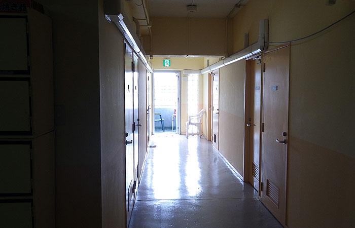 おきなわトレンドナビ 廊下