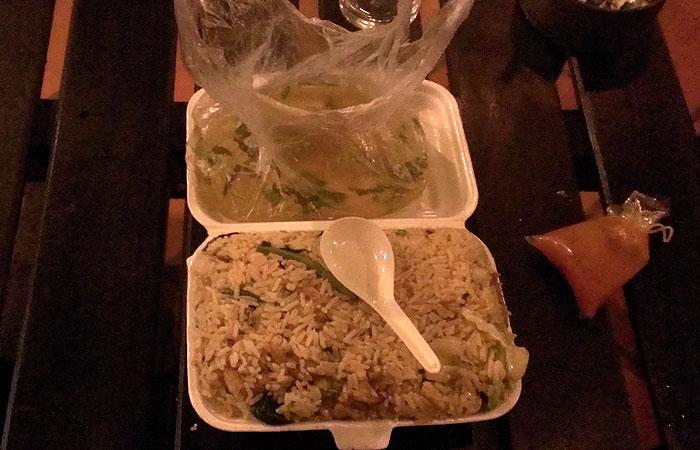 カンボジアの炒飯