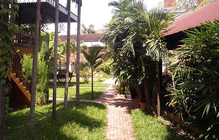ゲストハウス ラミリア 庭