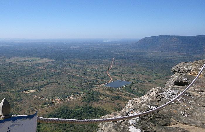 プレアビヒア 断崖絶壁