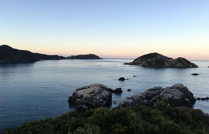 阿波連展望台からみる無人島