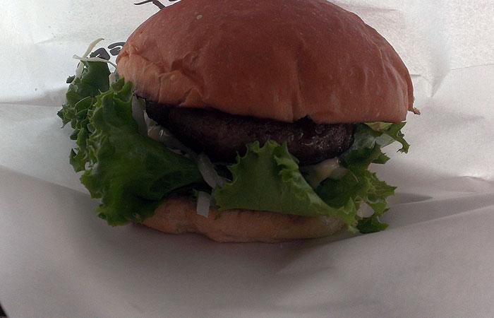 竹富島で会いましょう 石垣牛ハンバーガー