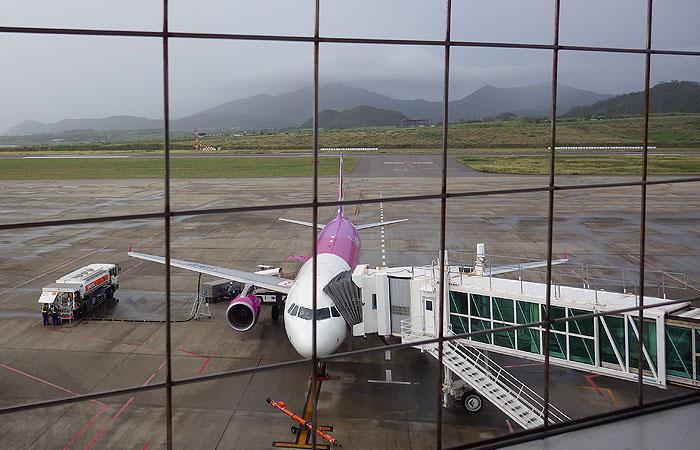新石垣空港からの眺め