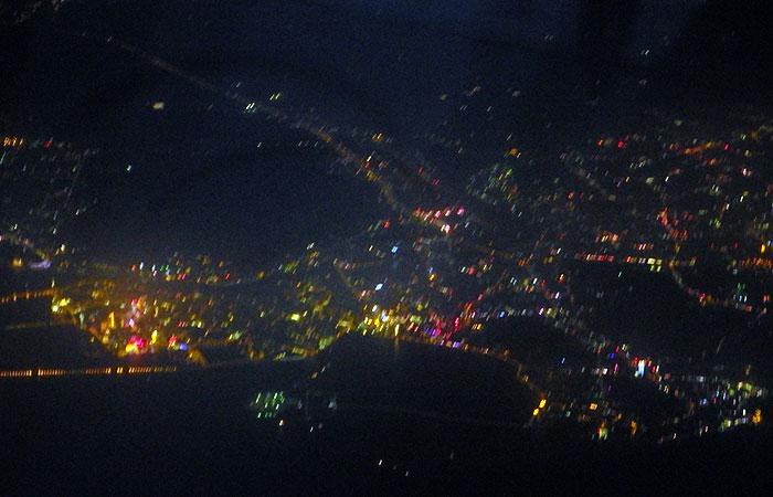 シェムリアップへの飛行機 夜景