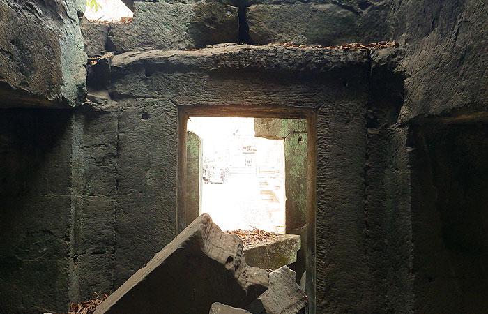 タプローム遺跡