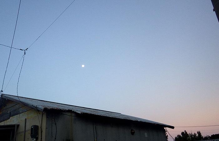 日の出前の阿波連集落