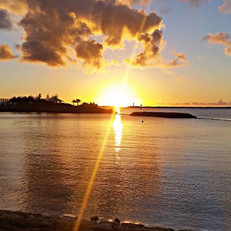 波の上 夕日