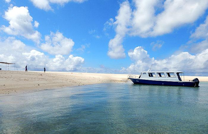 はての浜と船